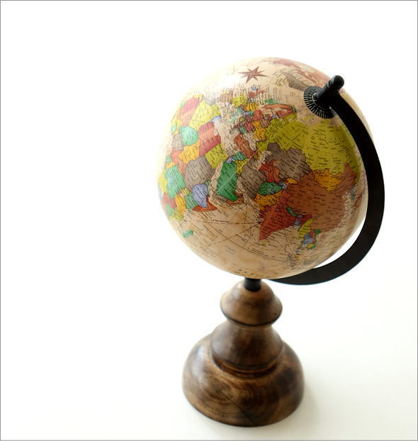 レトロな地球儀のオブジェ(1)