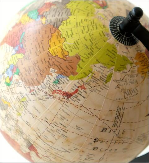 レトロな地球儀のオブジェ(3)