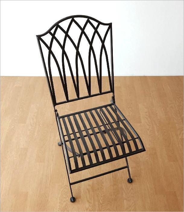 アイアンの折り畳みガーデンチェア(1)