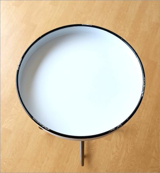 琺瑯のトレイテーブル(2)