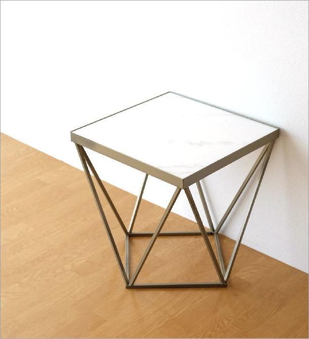 アイアンと大理石のテーブル(2)