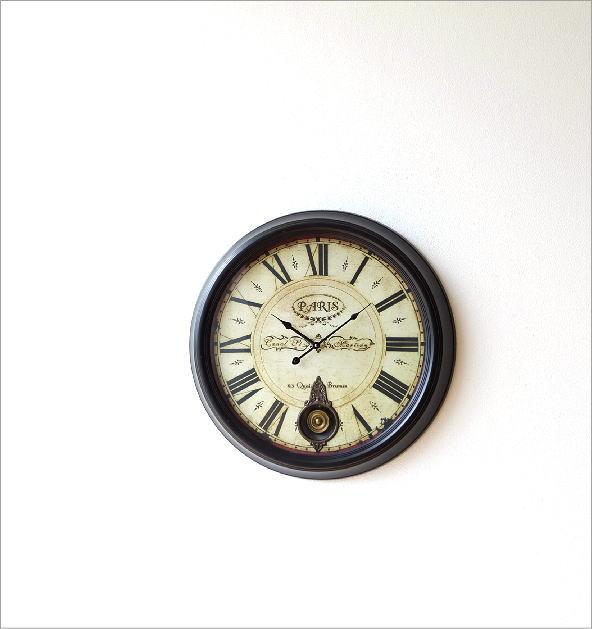 クラシックな振り子付き掛時計(1)
