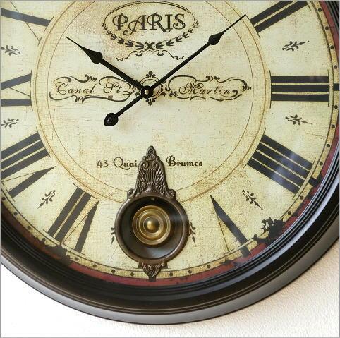 クラシックな振り子付き掛時計(2)