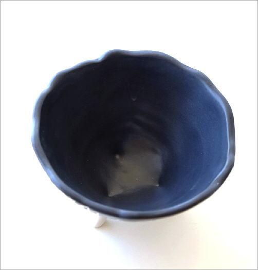 陶器の脚付きプランター(2)