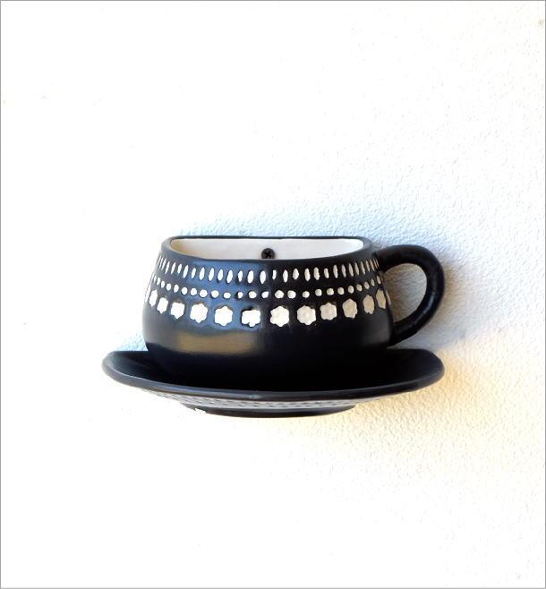 陶器のカップ型壁掛プランター(5)