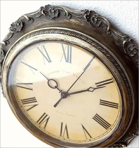 クラシックな掛け時計A(2)
