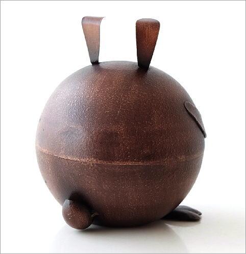 ブリキのオブジェ ウサギ貯金箱(2)