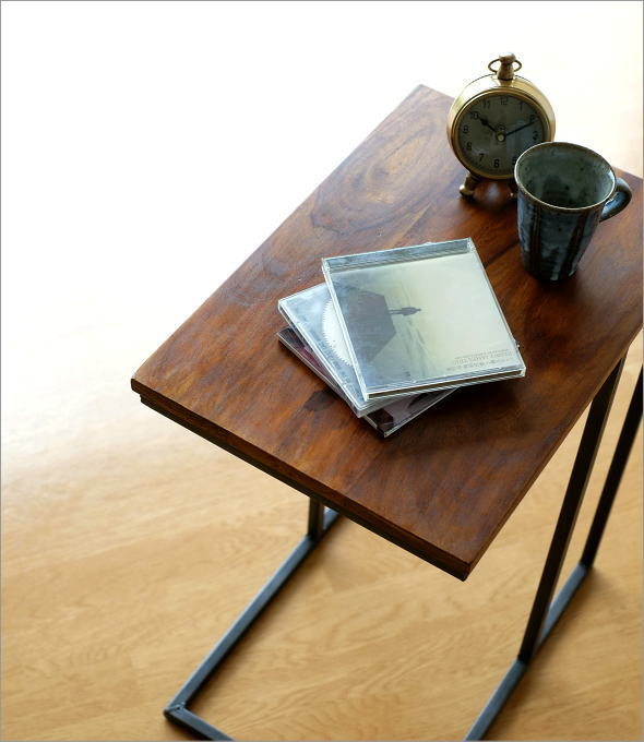 シーシャムとアイアンのサイドテーブル(1)