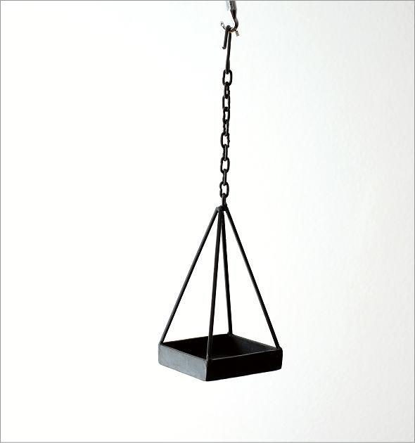 チェーン付アイアン三角プランター(4)