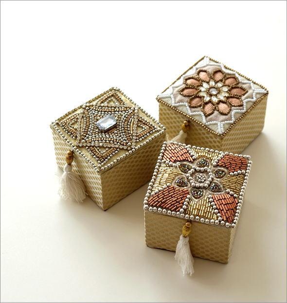 ビーズ刺繍スクエアボックス 3タイプ(1)