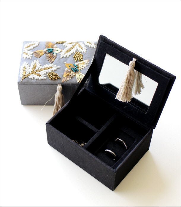 ザリ&ビーズ刺繍BOX 2カラー(1)