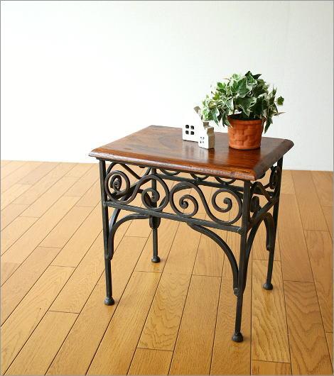 アイアンとシーシャムのネストテーブル S(4)