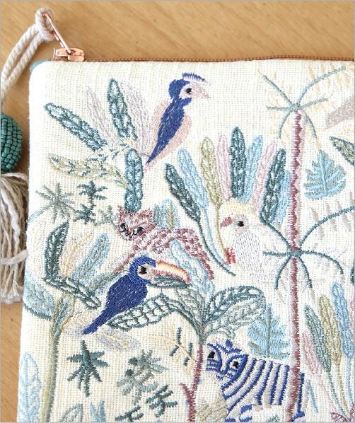 ジャングル刺繍のフラットポーチ 3タイプ(2)