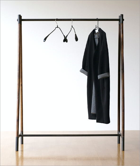 チークウッド&アイアンの洋服ラック(1)