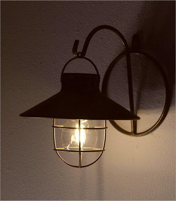 壁掛ソーラーガーデンライト2カラー(2)
