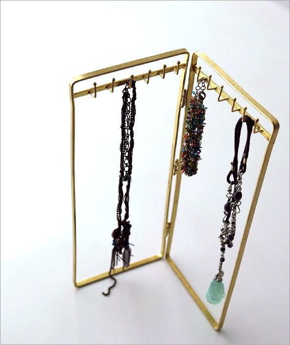 真鍮のネックレススタンド(1)