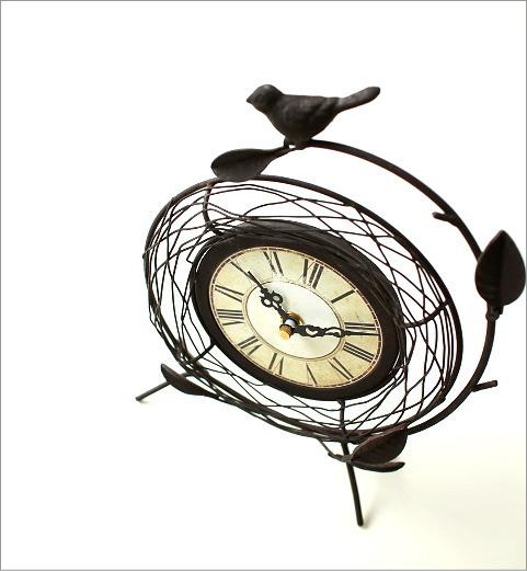 小鳥がアクセントの置き時計です