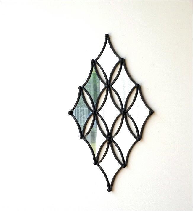 ウォールデザインミラーの壁飾り(1)