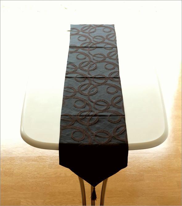 テーブルランナー ブラウンサークル(1)