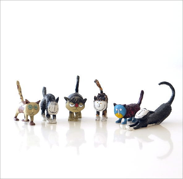ユニークなネコの置物6個セット(1)