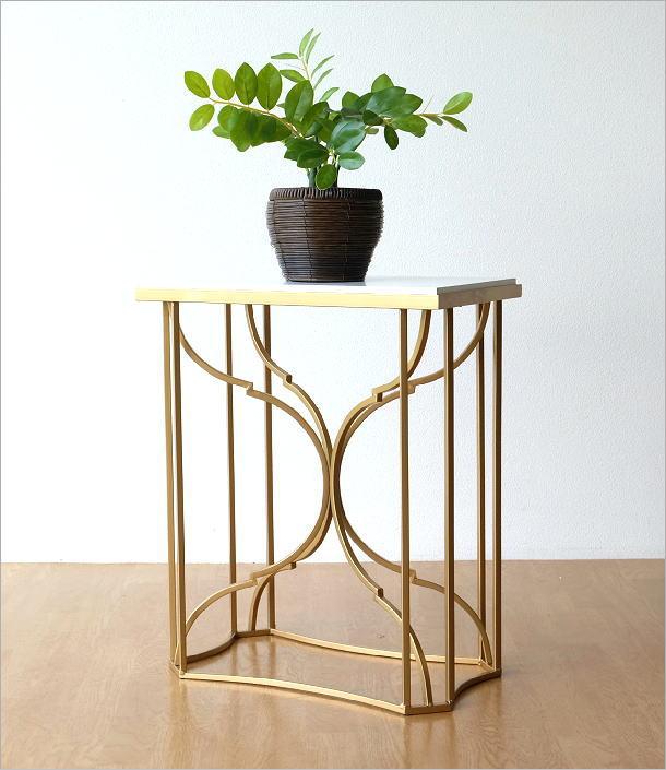 ゴールドアイアンのサイドテーブル(1)