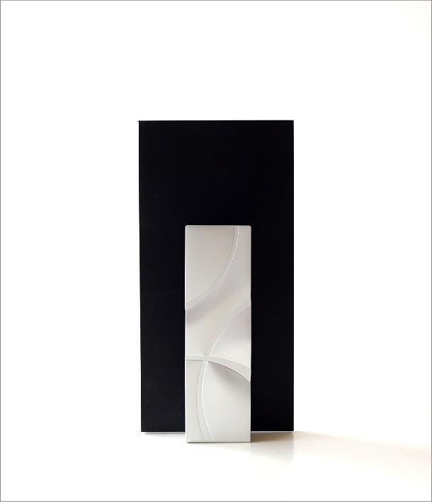 アルミとガラスのウッドフレームベース(5)