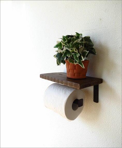 木製棚付きのレトロなトイレットペーパーホルダー