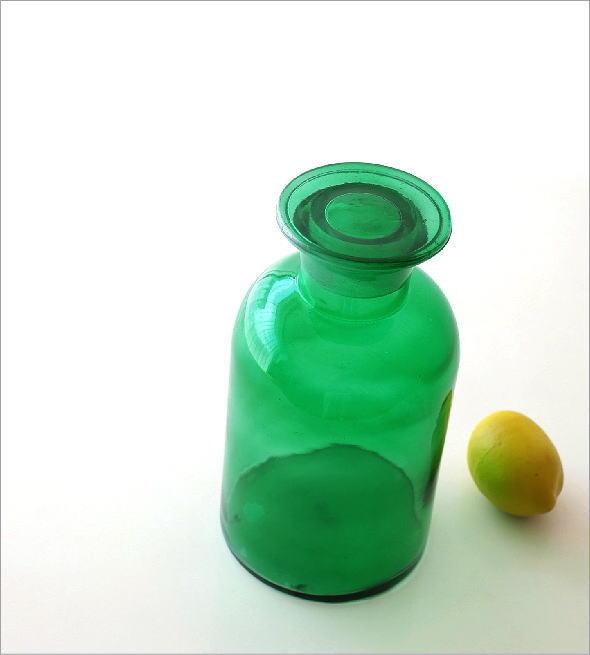 アンティークなメディシンボトル(1)