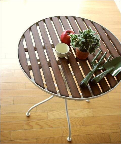 ホワイトアイアンとウッドのガーデンテーブル(1)