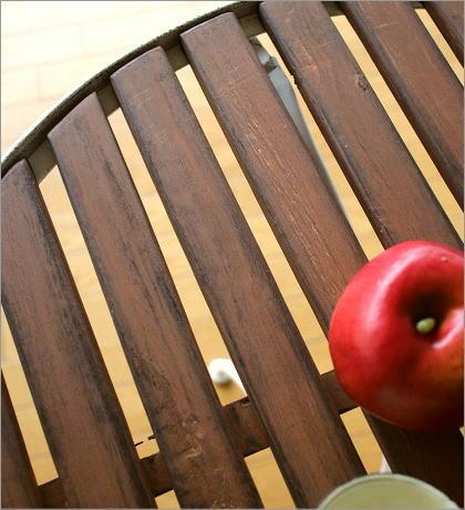 ホワイトアイアンとウッドのガーデンテーブル(2)