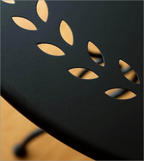 メタルブラックガーデンテーブル(2)