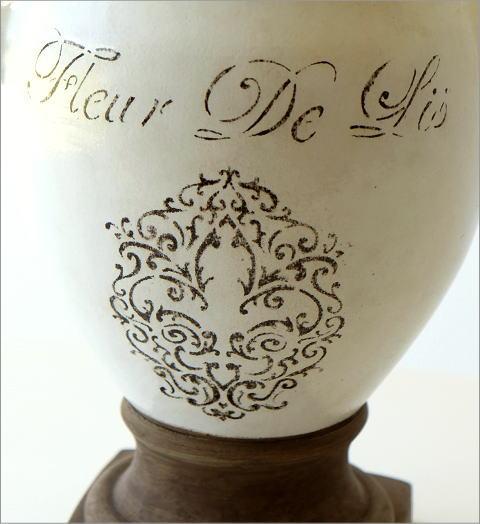陶器のベース フルール(2)