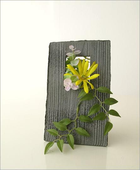 花器 陶器のフレーム花入れ(4)