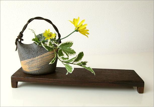 花器 陶器 花台付き蔓花入れ(4)
