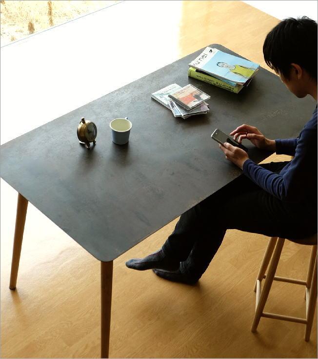シャビーなアイアンとウッドのテーブル 140(2)