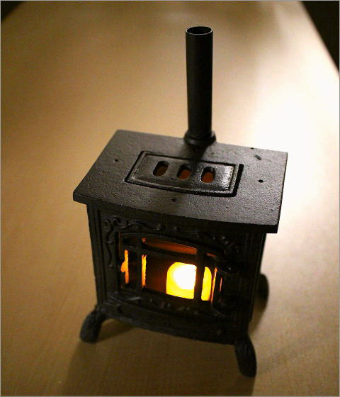 LED付きミニチュアストーブのオブジェ(7)