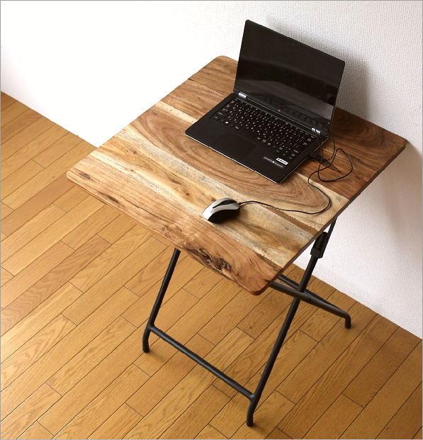 アイアンとウッドの折りたたみテーブル(1)