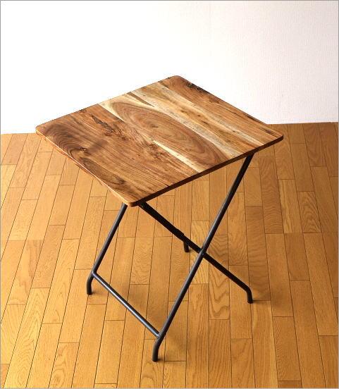 アイアンとウッドの折りたたみテーブル(5)