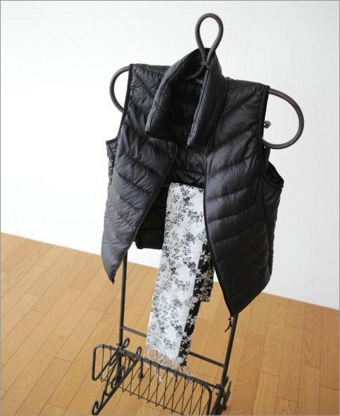 レトロアイアンのジャケットハンガーラック(1)