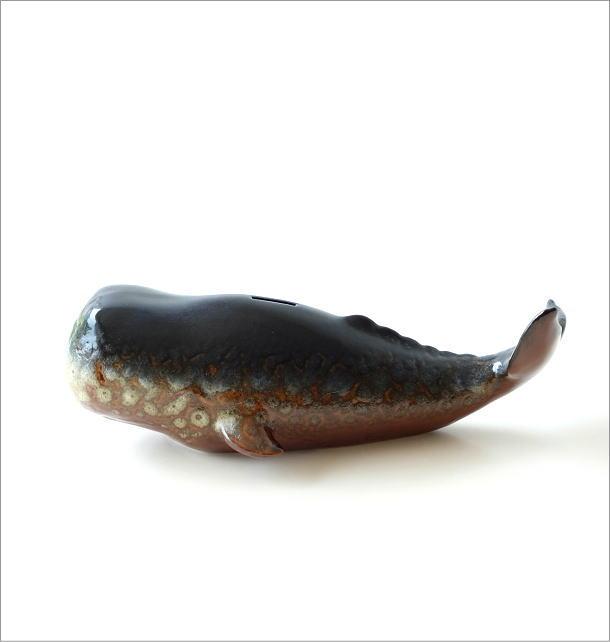 陶器のクジラの貯金箱(5)