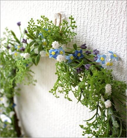 フェイクグリーンの壁飾り 忘れな草のリース(2)