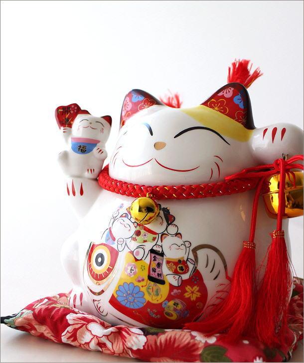 ビッグな招き猫の貯金箱 開運(1)