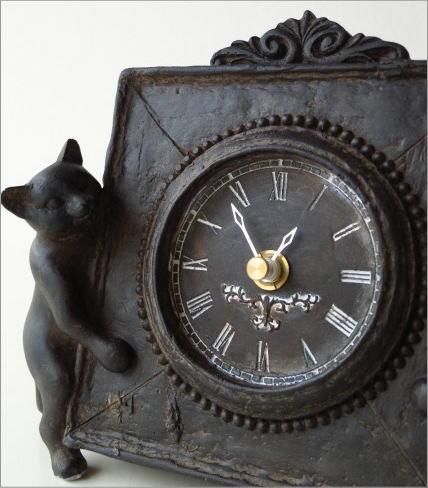 アンティークな時計とネコさん(2)