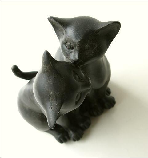 仲良し子ネコのオブジェ