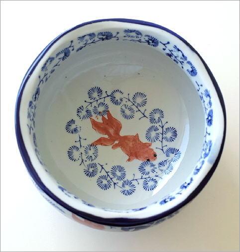陶器の金魚鉢(2)