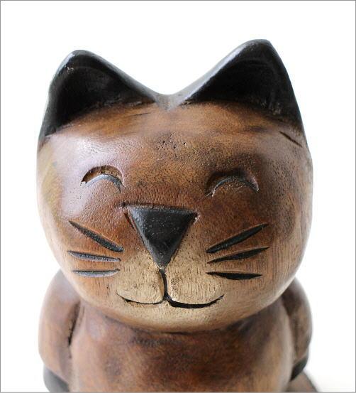 木彫りの置物 お散歩ネコ(2)