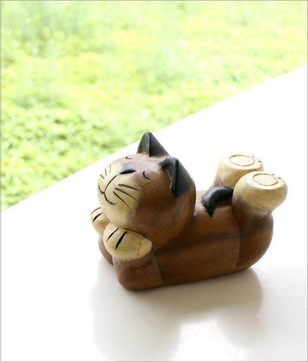 木彫りの置物 寝そべりネコ(1)