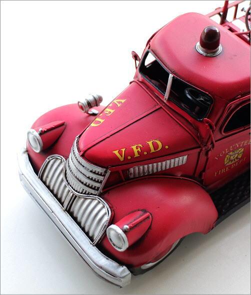 American Nostalgia レトロ消防車(2)