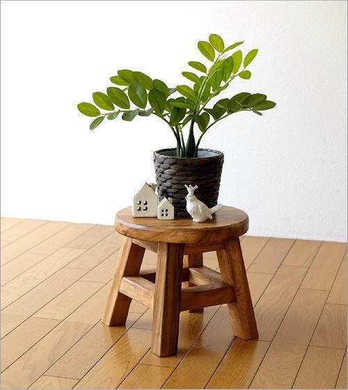 観葉植物を置く花台などにも使えます